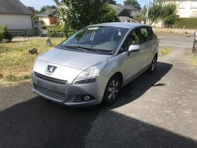PEUGEOT 5008 GENERATION-I 1.6 HDI 110 BUSINESS PACK