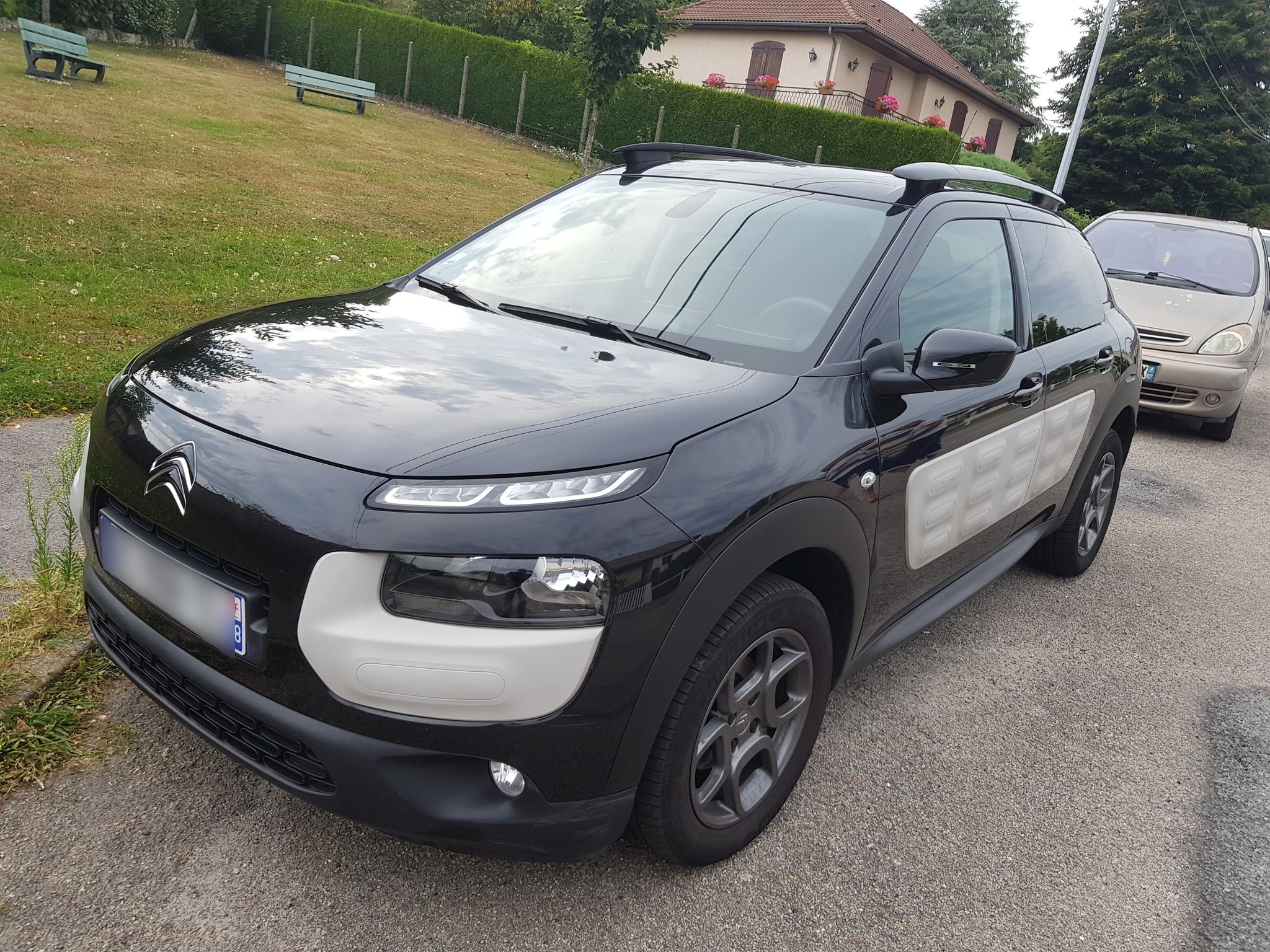 citroen c4 cactus 1 2 puretech 80 shine edition etg bva start stop carventura. Black Bedroom Furniture Sets. Home Design Ideas