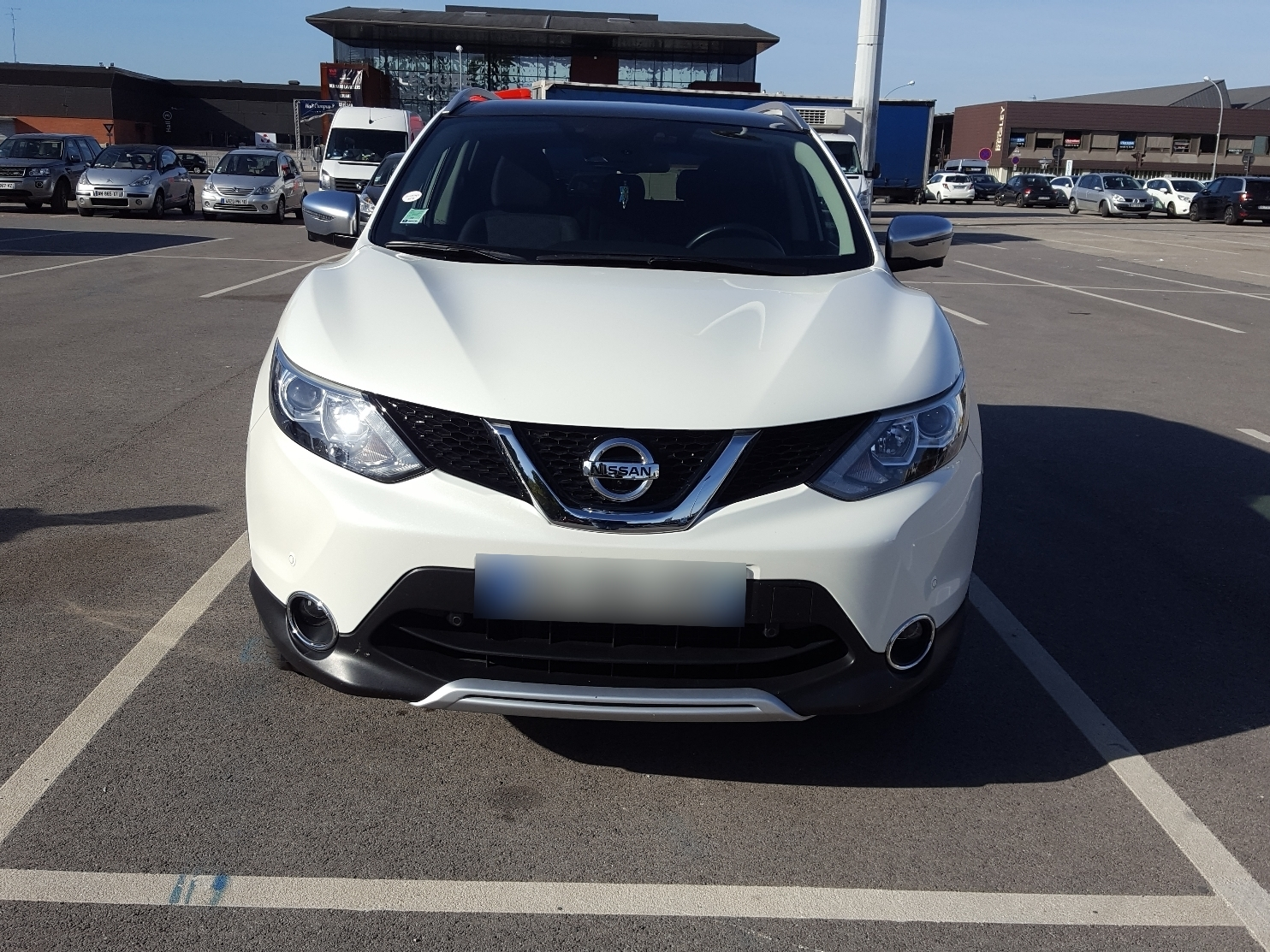 nissan qashqai 1 6 dci 130 white edition 2wd carventura. Black Bedroom Furniture Sets. Home Design Ideas