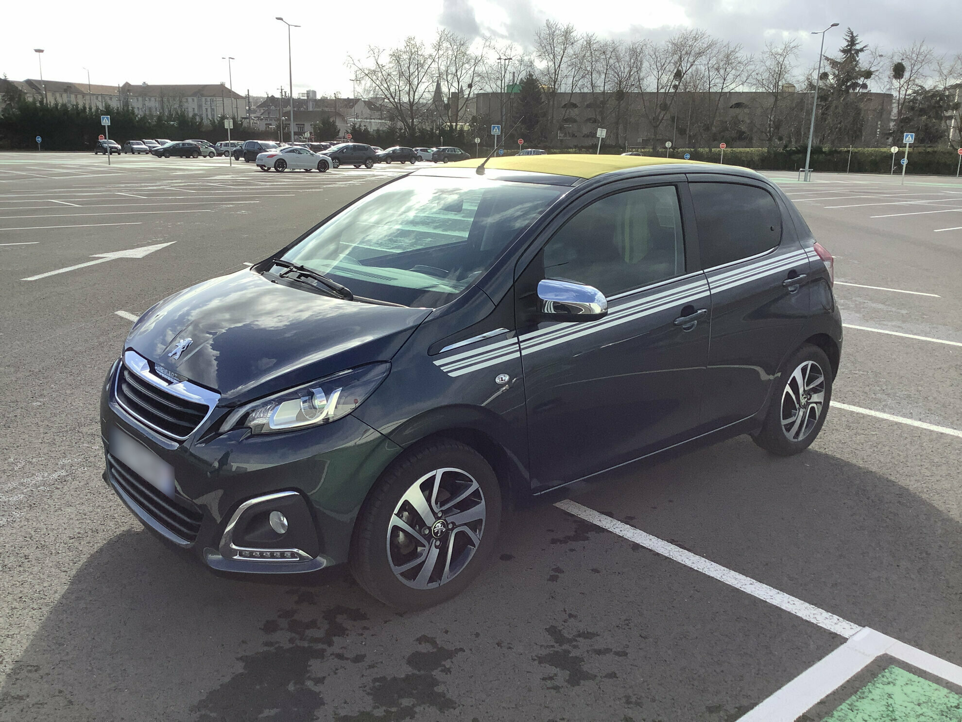 PEUGEOT 108 1.0 VTI 70 TOP COLLECTION