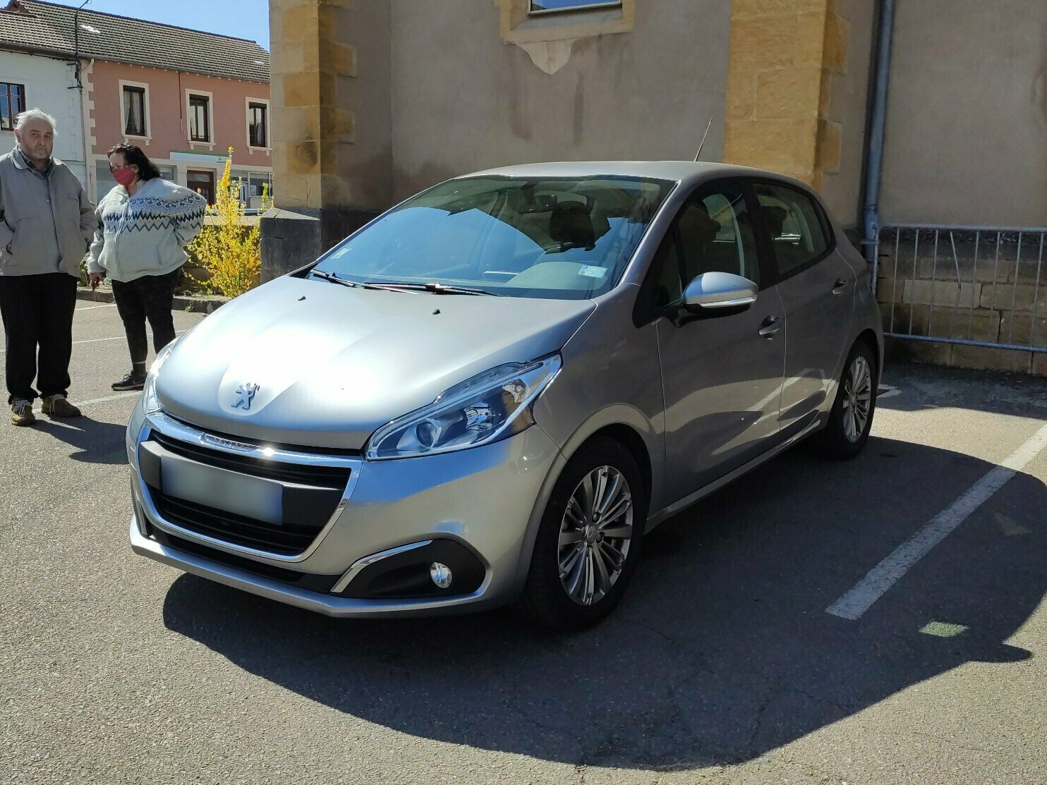 PEUGEOT 208 GENERATION-I 1.5 BLUEHDI 100 ACTIVE EU6C
