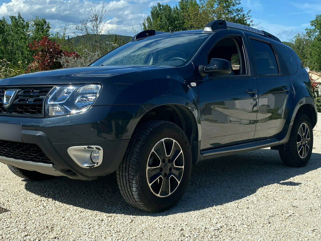 DACIA DUSTER 1.5 DCI 110 BLACK TOUCH 4X2