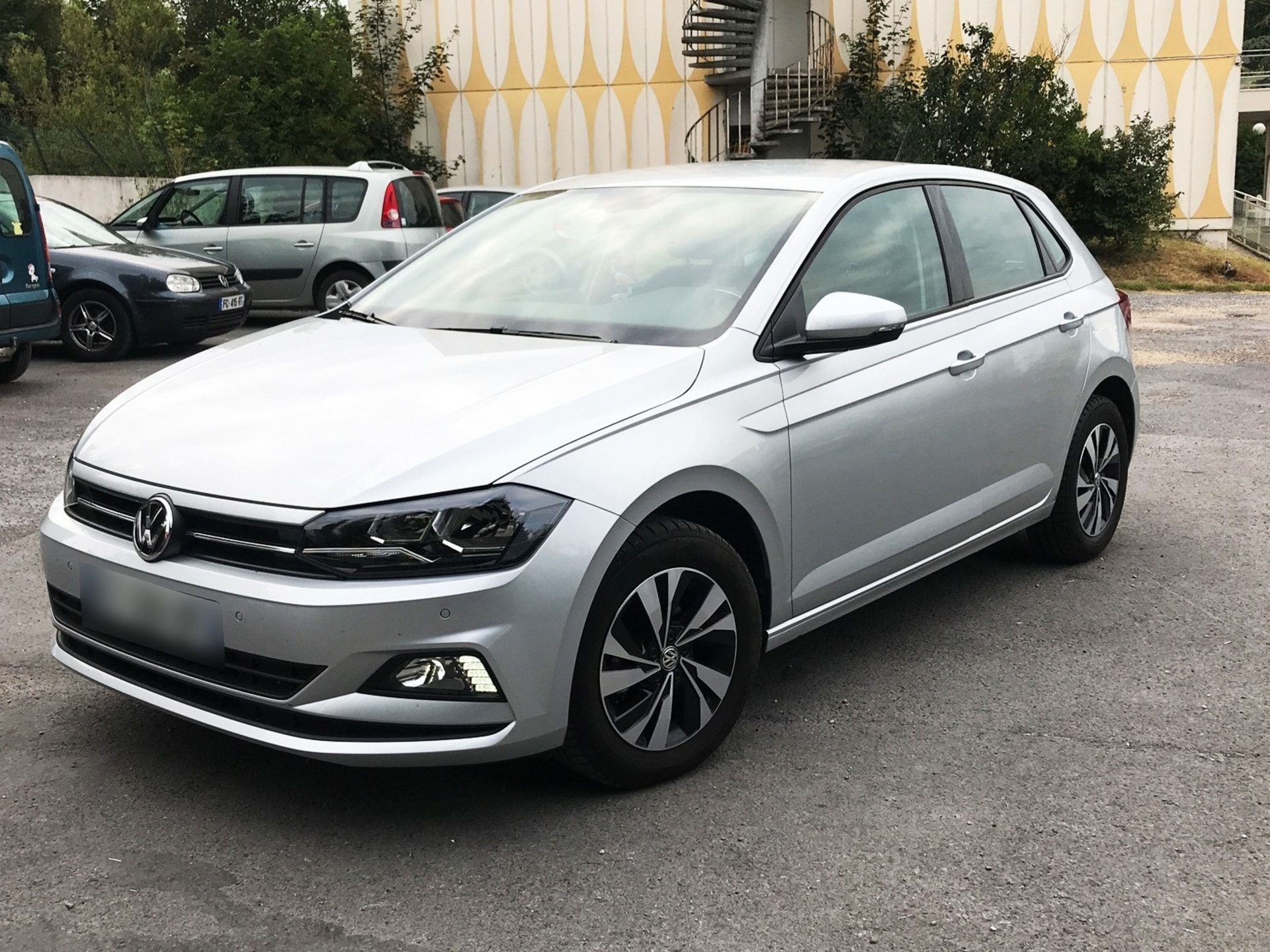 VOLKSWAGEN POLO 1.0 TSI 95 CONFORT LINE BUSINESS - Carventura