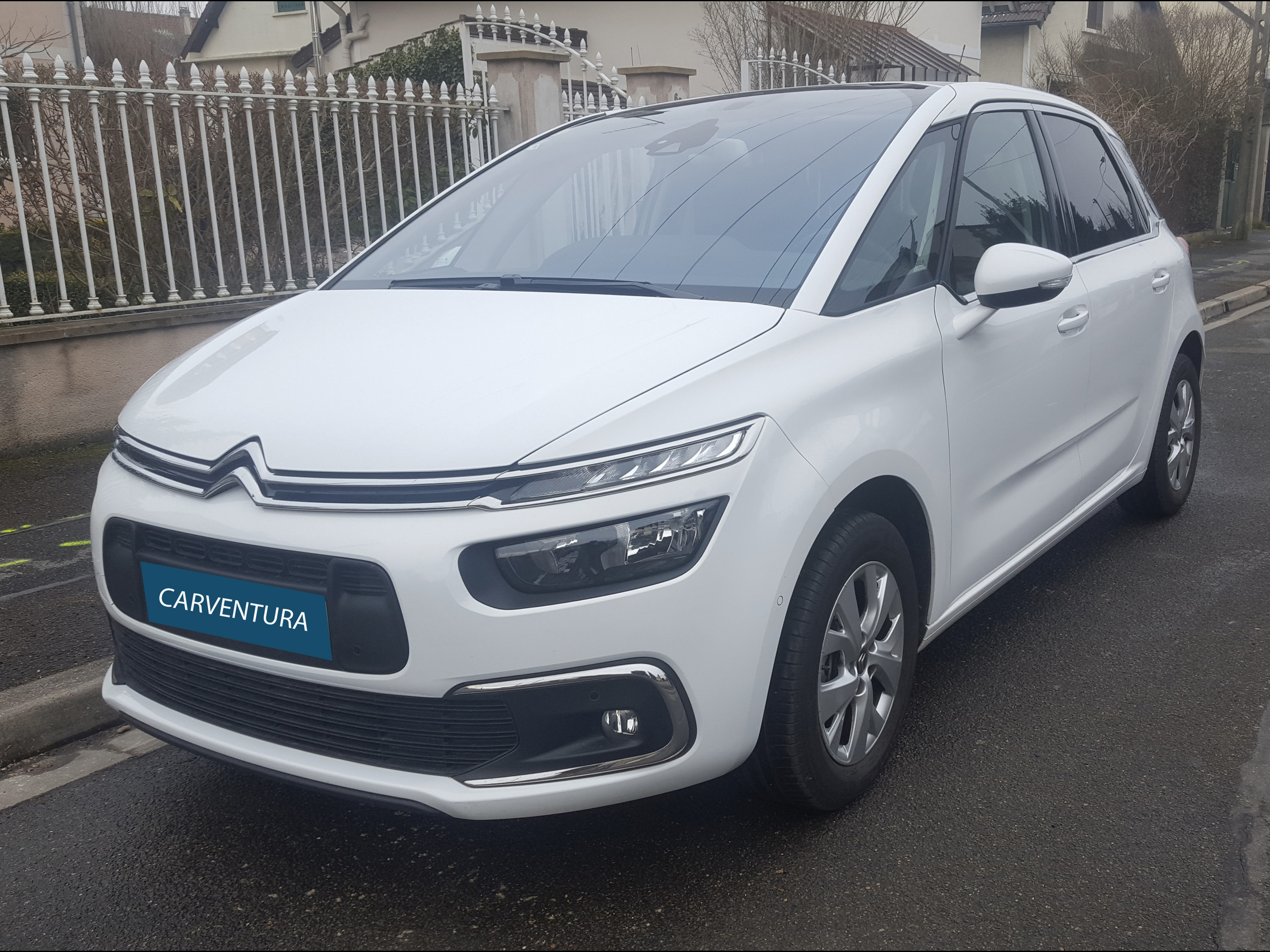 Citroën C4 Picasso Feel Versions : citroen c4 picasso generation ii 1 6 bluehdi 120 feel edition start stop carventura ~ Medecine-chirurgie-esthetiques.com Avis de Voitures