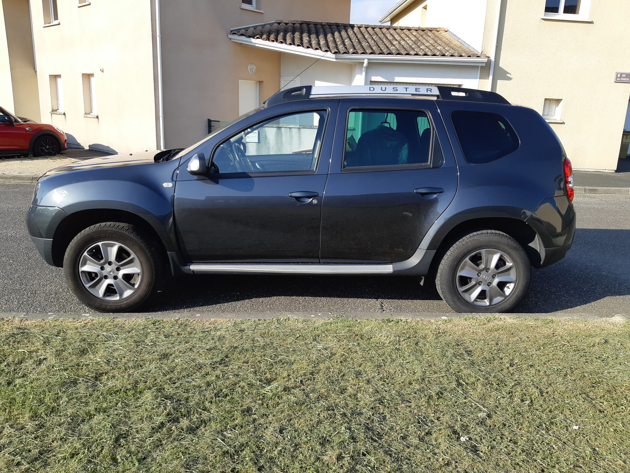 dacia duster 1 5 dci 110 prestige plus 4x2 carventura. Black Bedroom Furniture Sets. Home Design Ideas