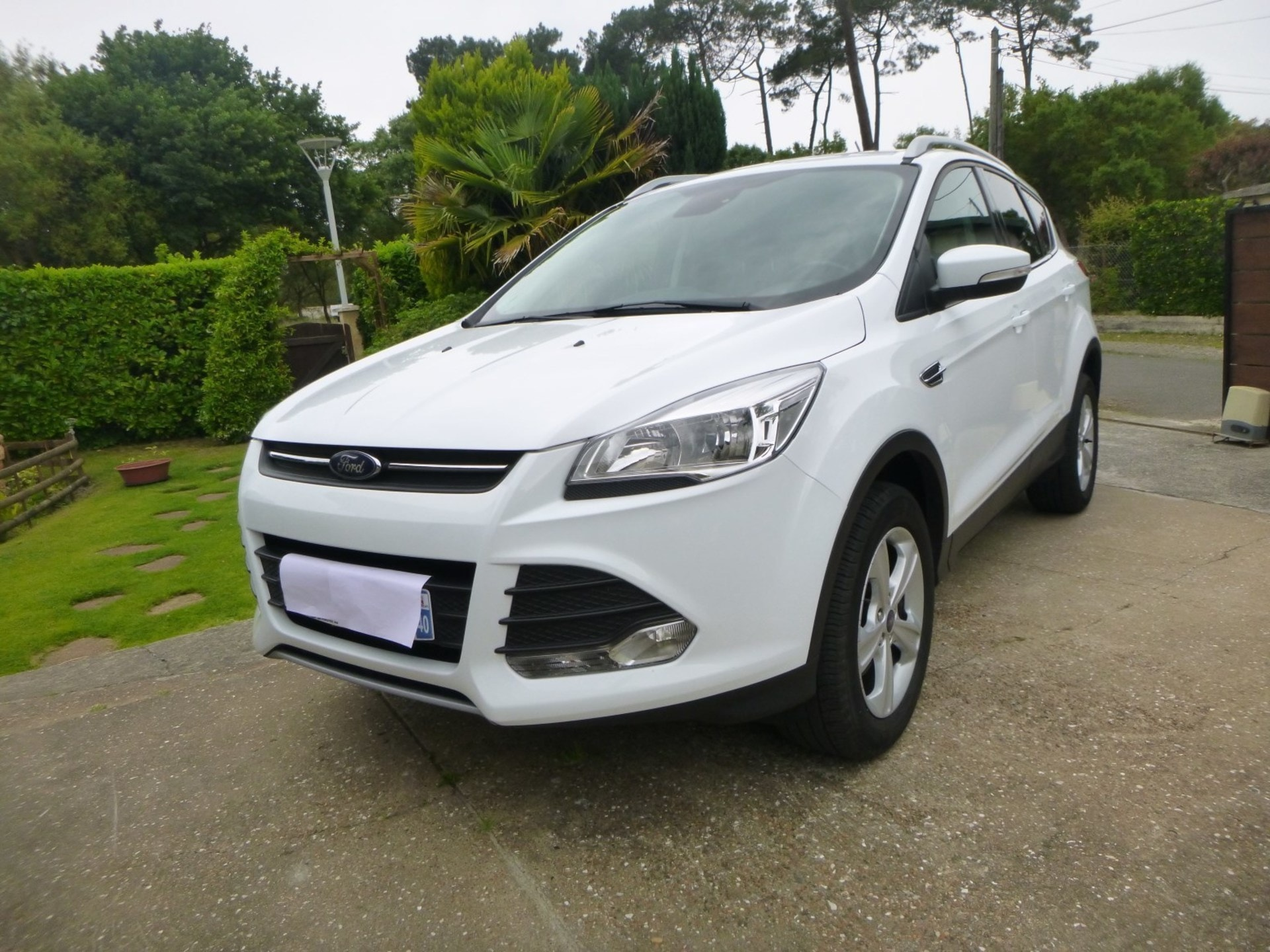 ford kuga 1 5 ecoboost 120 titanium 2wd start stop carventura. Black Bedroom Furniture Sets. Home Design Ideas